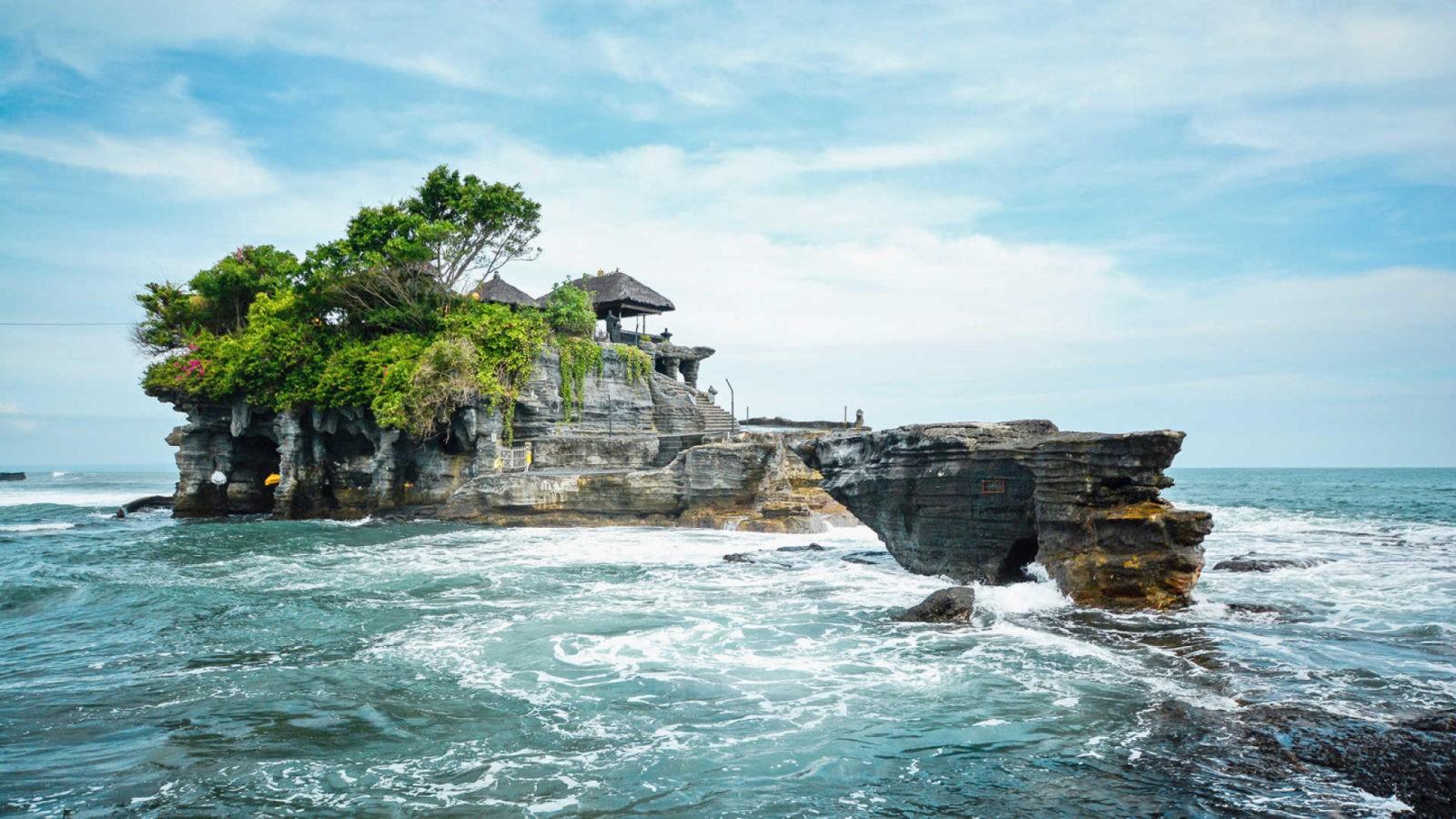 Бали: описание: отдых,развлечение,виза,валюта,отели,фото,видео.