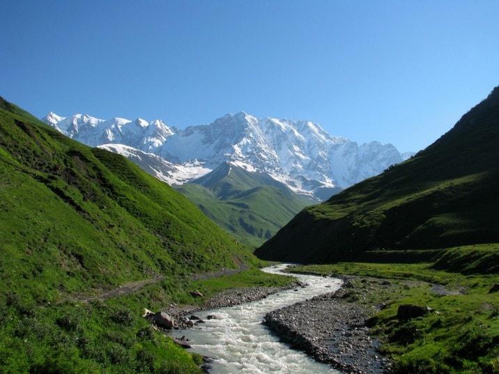 Гора Шхара — самая высокая в Грузии