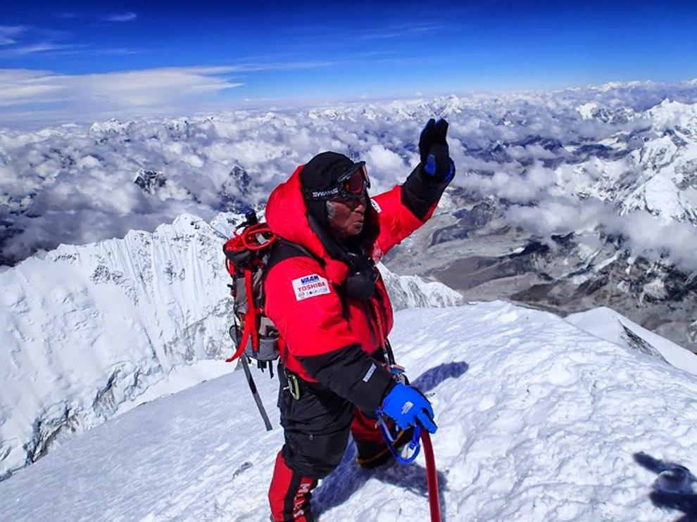Эверест — высочайшая вершина мира, расположенная в Гималаях на территории Китая