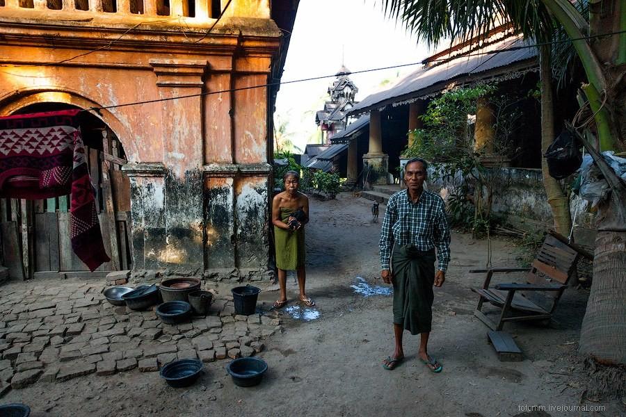 Путешествие по монастырям в городе Моламьяйн, Бирм